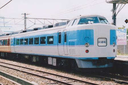 189系電車の塗装